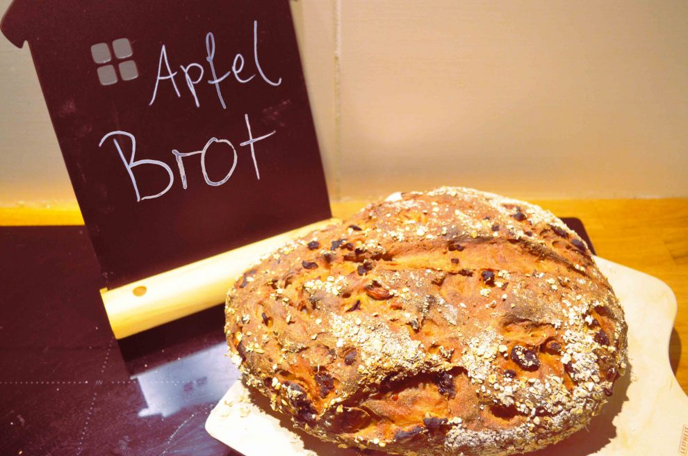 Apfelbrot, veganes Brot Rezept