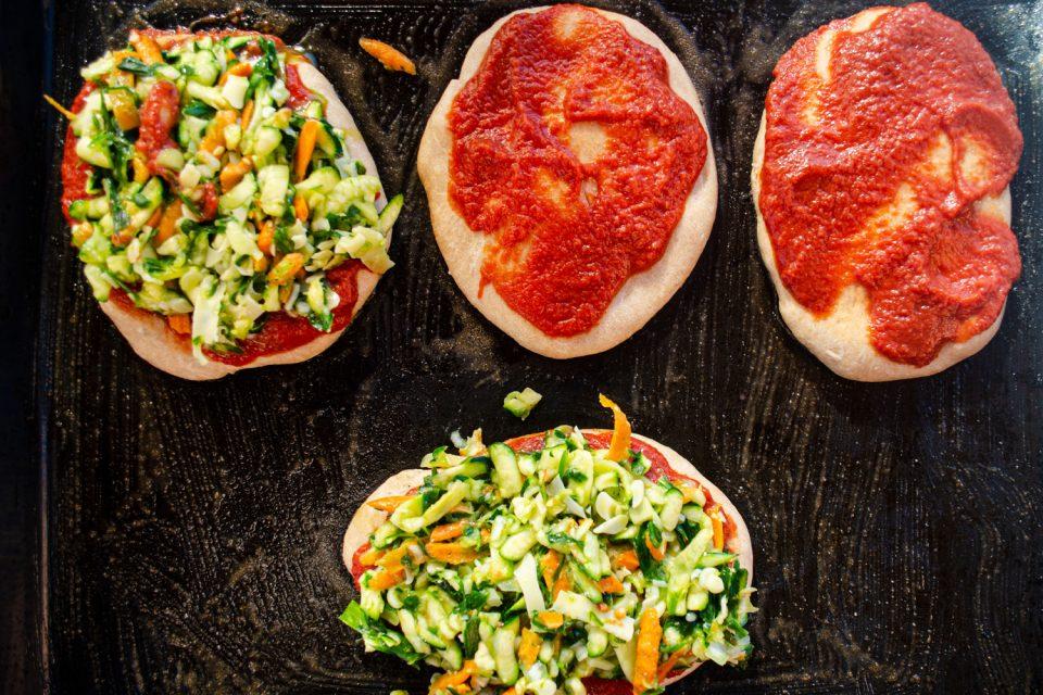 Pizzabrötchen vegetarisch belegt